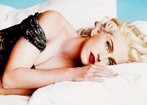 """A cantora no cartaz de Na cama com Madonna: """"Mudamos a História com esse filme"""" (Foto: Reprodução)"""