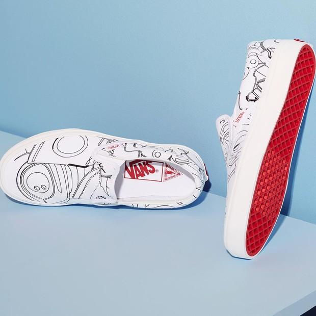 Tênis criado por Marc Jacobs para a Vans, com ilustração em p&b de Julie Verhoeven (Foto: reprodução/instagram)