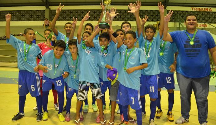 Vivaz comemora título do Roraimense de Futsal Sub-14 (Foto: Nailson Almeida/GLOBOESPORTE.COM)