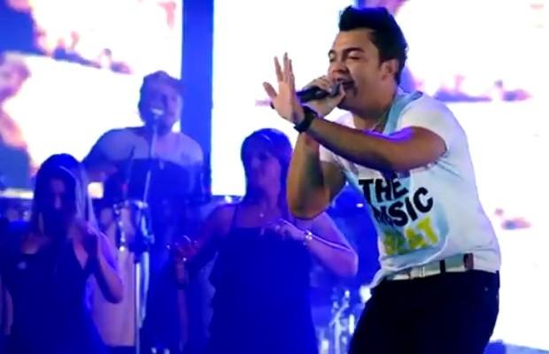 Thiago Brava durante a gravação do clipe da música 180 180 360 O arrocha do poder (Foto: Reprodução/Youtube)