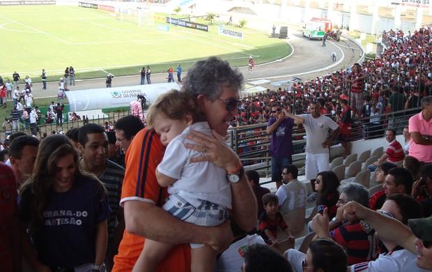 Ricardo Coutinho, governador da Paraíba, no jogo do Campinense no Amigão (Foto: Larissa Keren / Globoesporte.com/pb)