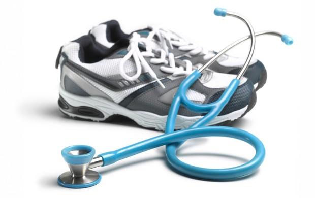 Exame médico e corrida euatleta (Foto: Getty Images)