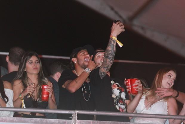 Neymar durante show (Foto: AG News)