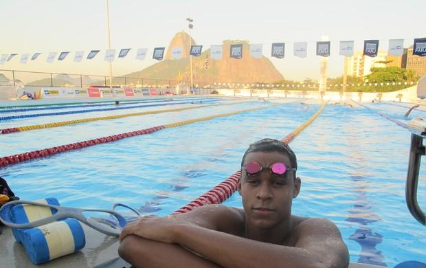 Matheus Santana, nadador juvenil do Botafogo (Foto: Lydia Gismondi)