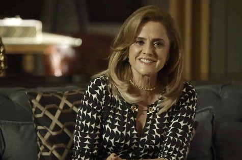 'O outro lado do paraíso': Marieta Severo é Sophia (Foto: TV Globo)