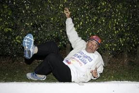 Ivo Holanda faz graça ao posar para o EGO (Foto: Celso Tavares / EGO)