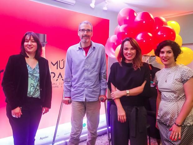 A neurologista Renata Simm, o palhaço Nando Bolognesi, Marina Caruso, diretora de redação de Marie Claire, e a publicitária Bruna Rocha: desmistificando a esclerose múltipla (Foto: Charles Naseh)