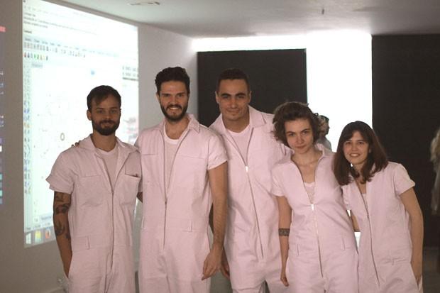 Guto Requena e a equipe do Love Project (Foto: Michell Lott)