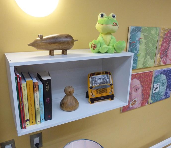 Nichos são ótimos para deixar objetos e livros favoritos em destaque (Foto: Leonardo Arromba / Gshow)