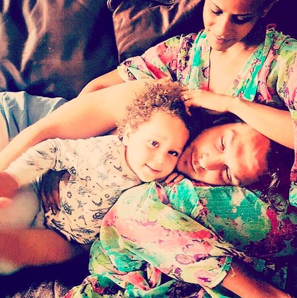 Igor com a esposa e o filho (Foto: reprodução/Instagram)