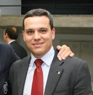 Álvaro Cotta, presidente da Federação Mineira de Basketball (lado direito) (Foto: Arquivo Pessoal/facebook)