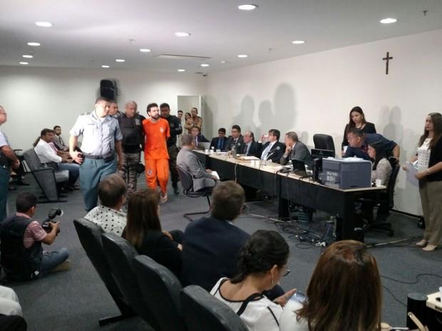Acusado Lucas Porto em audiência sobre o homicídio de Mariana Costa (Foto: Douglas Pinto / TV Mirante)