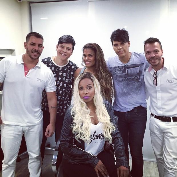 Roberta Rodrigues após mudança de visual em salão de beleza na Zona Oeste do Rio (Foto: Instagram/ Reprodução)