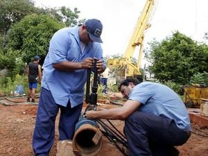 Técnicos trabalham para restabelecer funcionamento de poço no Simioni em Ribeirão Preto (Foto: Carlos Natal/Prefeitura de Ribeirão Preto)