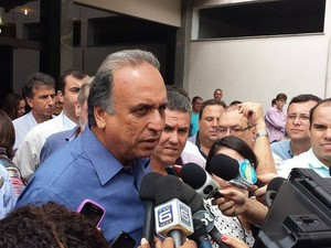 Pezão afirmou que unidade de saúde atenderá moradores da Serra (Foto: Juliana Scarini / G1)