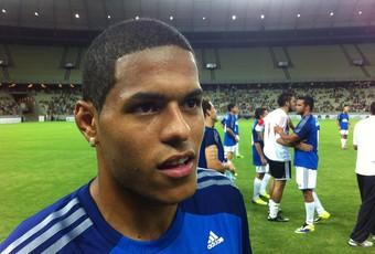 Leandro participou do amistoso entre Amigos do Osvaldo x Amigos do Wesley Safadão (Foto: João Marcelo Sena)