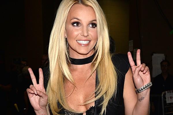 """Mudar com a fama: quem nunca? Durante seu documentário para a MTV, Britney Spears falou sobre o assunto. """"Eu costumava ser uma garota legal... mas sinto que os paparazzi tiraram isso de mim, esse jeito de viver a minha vida. Eu costumava ser uma garota bacana e agora eu não sou mais"""". Não é à toa que a cantora tem várias canções que falam sobre fama, exposição e frustração. (Foto: Getty Images)"""