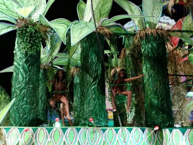 Filmes como Avatar e Tarzan foram lembrados pela Embaixada Copa Lord (Foto: Fabian Londero/ RBS TV)
