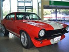 Em Belém, exposição de carros antigos homenageia pais no aeroporto