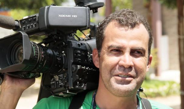 Samuel trabalha há 11 anos na TV Grande Rio (Foto: Arquivo Pessoal)