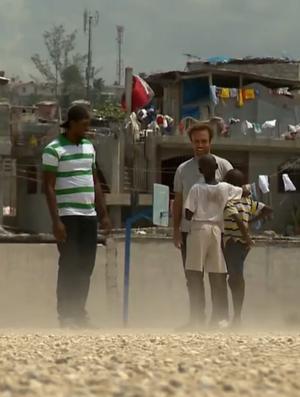 SporTV Repórter; Haiti; Roger Flores (Foto: Reprodução SporTV)