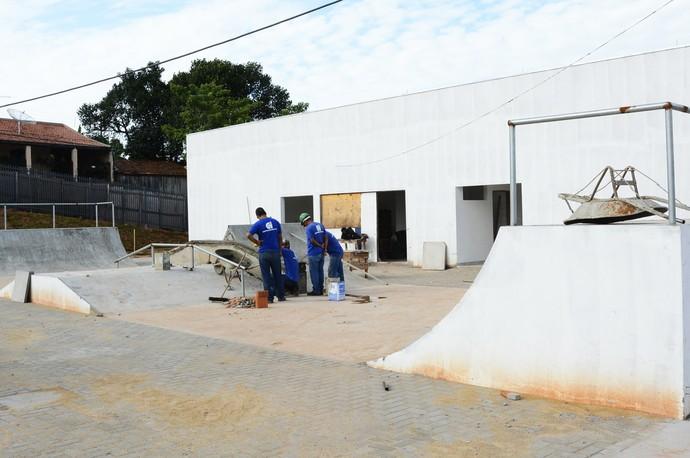 Praça abrigará uma pista de skate, salas de multiúso, dentre outros espaços (Foto: Divulgação / Secom)