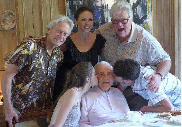 Catherine Zeta-Jones e Michael Douglas com os filhos (Foto: Instagram)