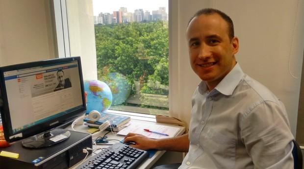Maurício Galhardo visitou a redaçao da Revista PEGN para um bate-papo com os seguidores (Foto: Reprodução/Facebook)