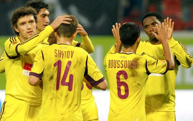 Samuel Eto´o comemora gol do Anzhi (Foto: Reuters)