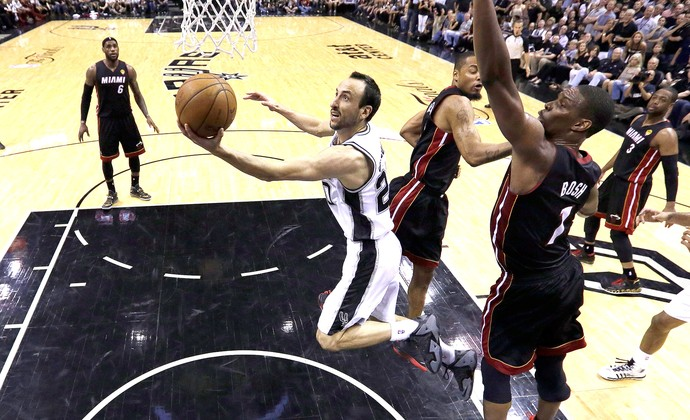 Manu Ginobili final NBA Miami x San Antonio jogo 5 (Foto: Reuters)