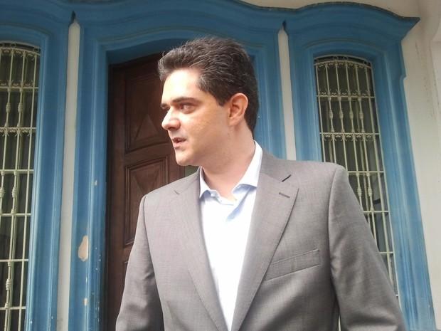 Ortiz Junior foi ao Fórum de Taubaté, mas não chegou a ser ouvido pela Justiça. (Foto: Renato Ferezim/G1)