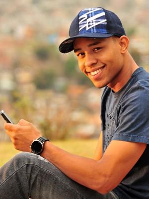 Como o Sidney de Salve Jorge (Foto: João Miguel Júnior / TV Globo)