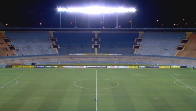 Serra Dourada Atlético-GO Londrina (Foto: Reprodução/Sportv)