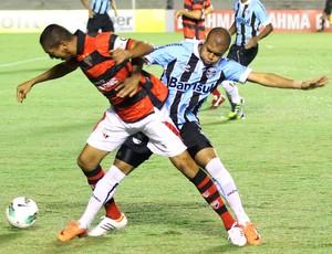 gabriel pituca ATLÉTICO-GO X GRÊMIO  (Foto: Randes Nunes/Foto Arena/Agência Estado)