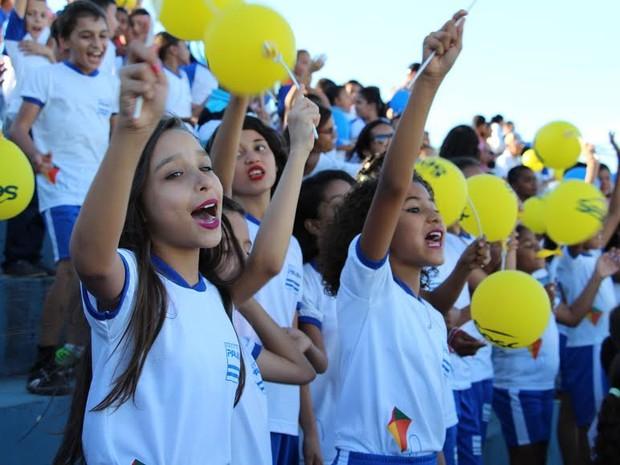 Crianças atendidas pelo Proerd se foramram nesta terça-feira (21) (Foto: PM/ Divulgação)