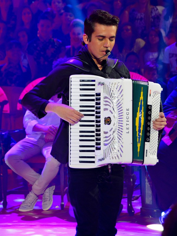 Luan canta no Esquenta (Foto: Lucas Gabriel)