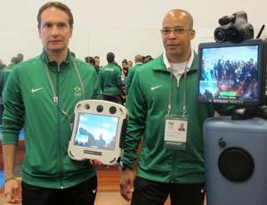 médicos do cob e robô Crystal Palace (Foto: Danielle Rocha / Globoesporte.com)