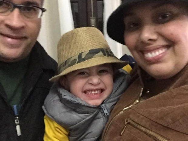 Casada e com um filho de três anos, Dayane esbanja a alegria de viver (Foto: Reprodução)