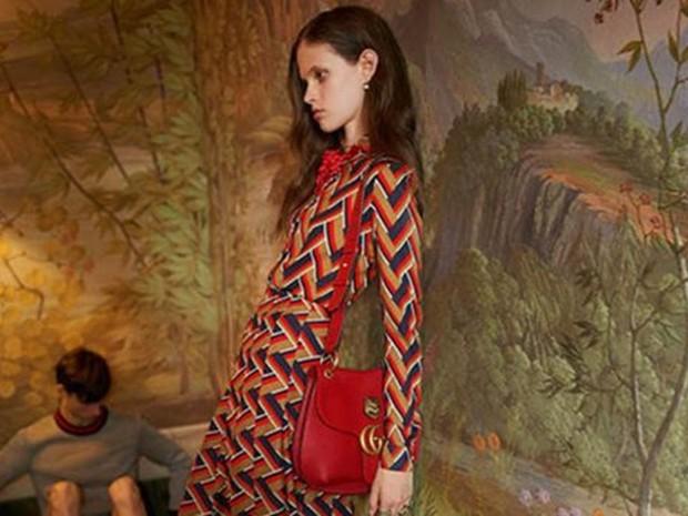 Este anúncio da Gucci foi vetado no Reino Unido por usar uma mulher 'excessivamente magra'  (Foto: Gucci)