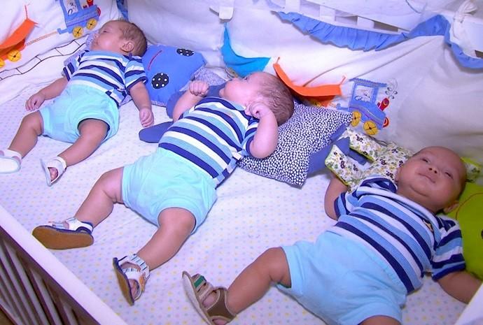 Ela agora é mãe de três lindos garotões! (Foto: Reprodução / TV TEM)