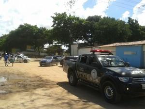 Três adolescentes tentaram fugir da UIM, mas foram capturados (Foto: Carolina Sanches/ G1)