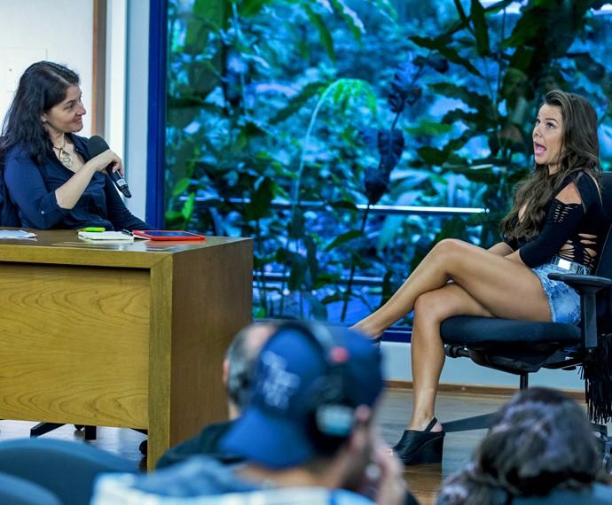 Fernanda Souza entra na pele de Mel em trabalho de preparação para a personagem com a neurocientista Suzana Herculano (Foto: Ellen Soares/ Gshow)