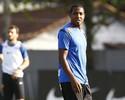 Sem  nenhum avanço nas conversas, Macaé desiste de Renato Abreu