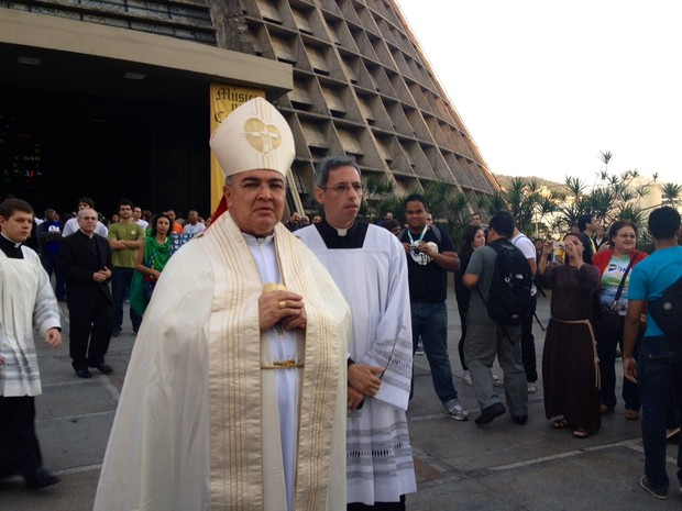 Dom Orani celebra missa (Foto: Cristiane Cardoso/G1)