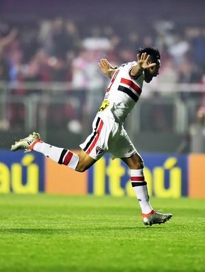 Chavez comemorando São Paulo X Atlético-MG