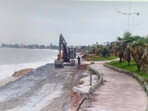 Intervenção foi retomada nesta quinta-feira (23) na Praia da Tartaruga (Foto: Cadu Alves/Inter Tv)