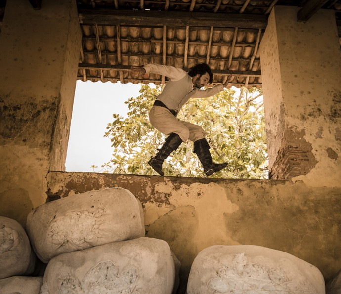 Como Afrânio, Rodrigo Santoro é clicado em uma das locações nordestinas (Foto: Caiuá Franco/ Globo)