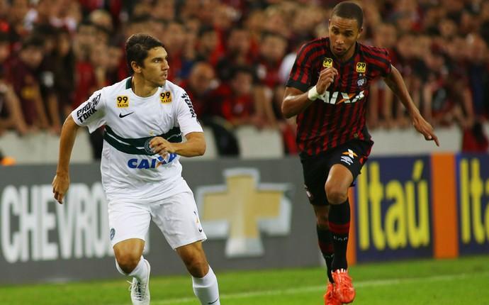 Lucio Flavio Hernani Atlético-PR Coritiba Atletiba (Foto: Giuliano Gomes/ PR PRESS)