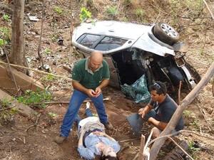 Neves conta que precisou quebrar o vidro do carro para resgatar Magna (Foto: Airton Neves/Divulgação)