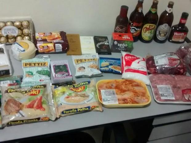 Guarda Municipal recuperou produtos furtados de supermercado (Foto: Divulgação/Guarda Municipal)